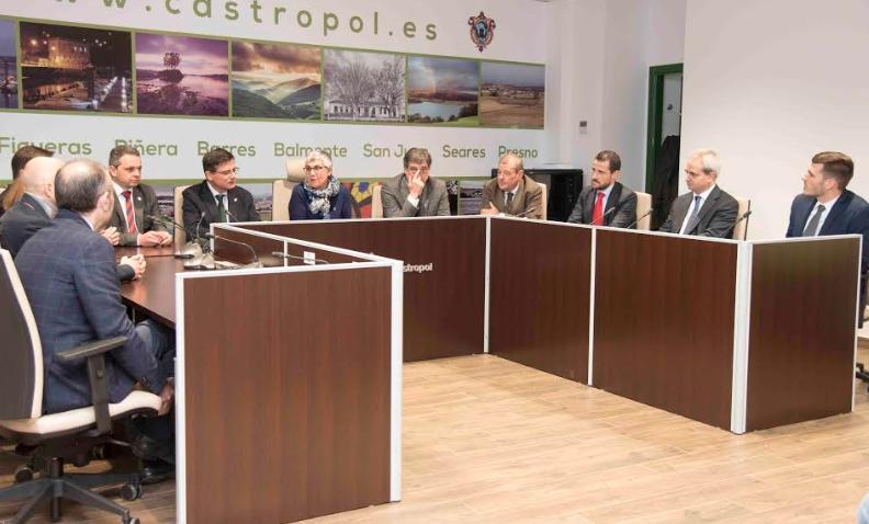 Recepción a los reconocidos con el Pupitre de Honor en el Ayuntamiento de Castropol