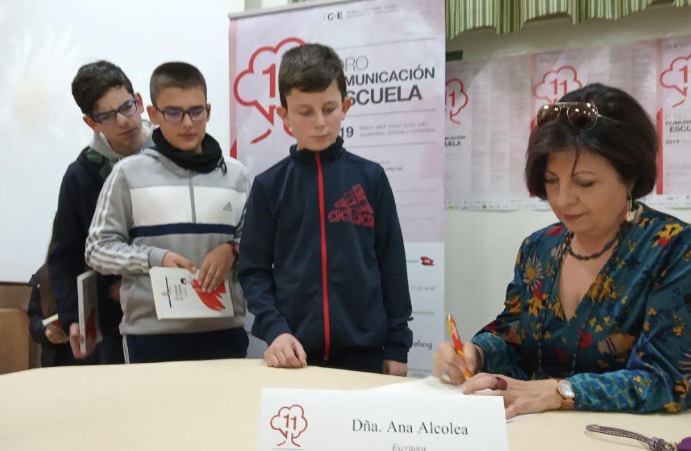 """Ana Alcolea en Vegadeo: """"Escribir me permite realizar todos mis sueños"""""""