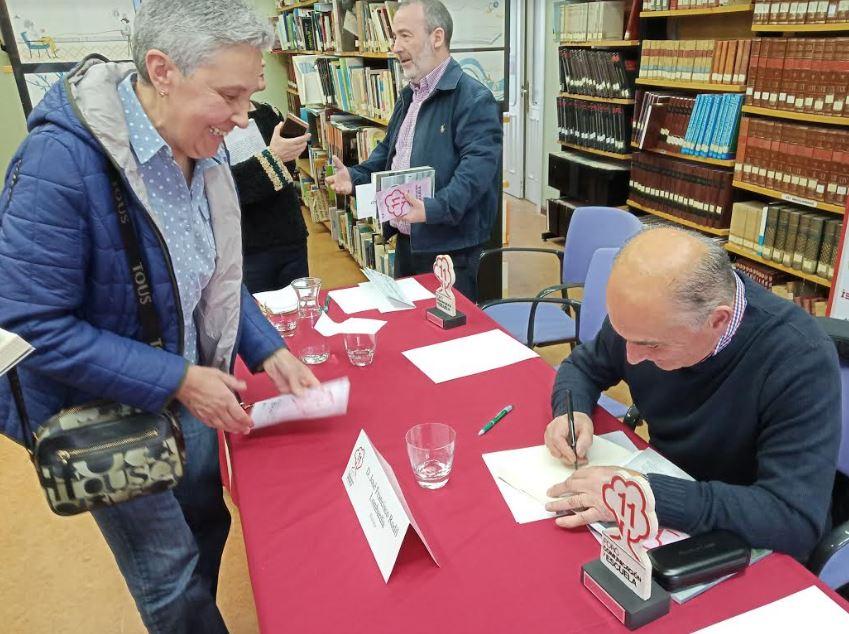 """Rodil Lombardía: """"Este libro recoge una historia que escuché a un amigo de mi padre"""""""