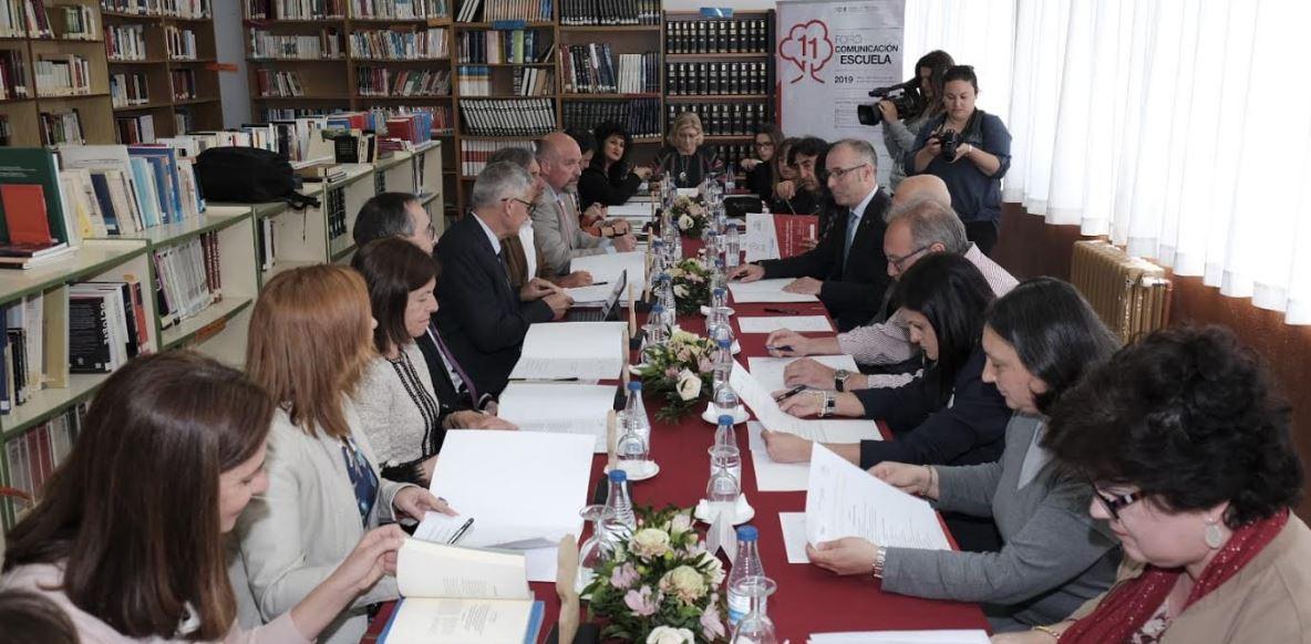 Visita histórica del órgano de gobierno de la Universidad de Oviedo