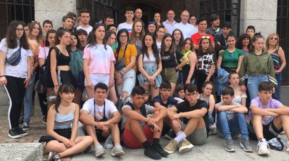Despedida en Madrigal de las Altas Torres: un municipio ligado a la historia de España